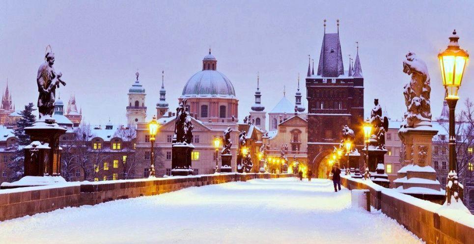Otobüsle Avrupa Turu kapsamında Prag gezilecek kalınacak şehirler arasında